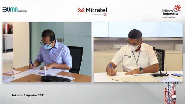 Telkom memperkuat bisnis penyediaan menara telekomunikasi melalui anak usaha Mitratel dengan penyertaan model berupa aset (inbreng) 798 menara telekomunikasi.
