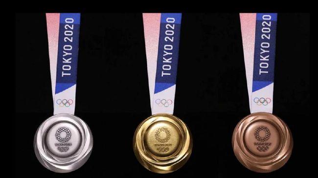 Proyek sustainablity dan daur ulang diperlihatkan Jepang lewat medali Olimpiade yang berbahan daur ulang dari perangkat elektronik bekas.