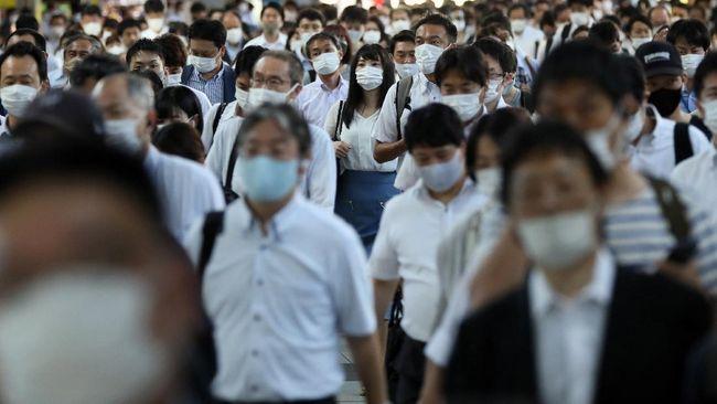 Jepang memutuskan hanya merawat pasien Covid-19 bergejala berat di rumah sakit guna mengurangi beban fasilitas kesehatan.