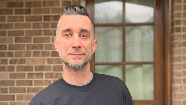 Pete Parada menolak vaksin Covid-19 karena alasan medis yang ia alami. Keputusan tersebut ia akui hasil diskusinya dengan dokter.