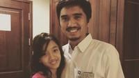 <p>Duta juga dikenal memiliki hubungan yang erat dengan sang putri, Aisha. Intip saja potret mereka yang sangat lengket. (Foto: Instagram @pakduta)</p>