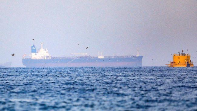 Sebuah kapal tanker berbendera Panama bernama Asphalt Princess sempat dibajak saat melintas di sekitar Teluk Oman, Laut Arab.