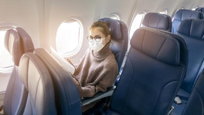 Alasan Kenapa Kamu Sebaiknya Nggak Pakai Celana Legging Saat Naik Pesawat