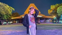 <p>Nella Kharisma tampil semakin menawan sejak hamil besar. Aura mother glow kian terpancar setiap kali ia memamerkan perutnya. (Foto: Instagram: @nellakharisma)</p>
