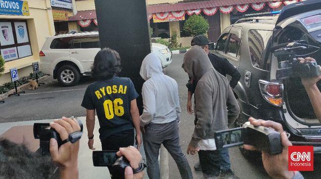 Salah satu pelaku tarung bebas di Makassar menceritakan ihwal keterlibatan dirinya dalam pertarungan ala UFC bertajuk street fighting tersebut.