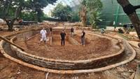 <p>Irfan juga memilikisebidang tanah luas di dekat rumahnya nih.Menurut Irfan, dia memang mengembangkanlahan arearumah untuk tempat hewan peliharaan, kantor, serta tempat parkir. (Foto: Instagram @irfanhakim75)</p>