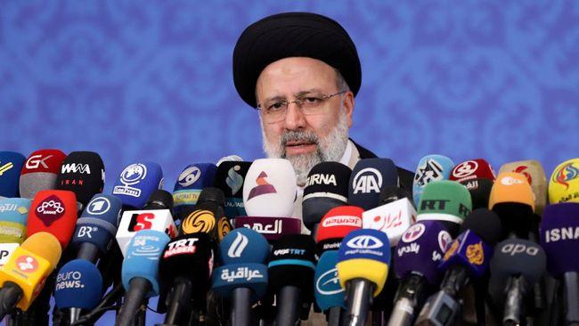 Iran menangkap 10 orang diduga mata-mata asing di Busherh, tempat pembangkit listrik tenaga nuklir.