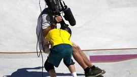 Momen Kocak Atlet Australia Tabrak Kamerawan di Olimpiade
