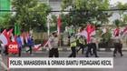 VIDEO: Polisi, Mahasiswa & Ormas Bantu Pedagang Kecil