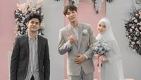 <p>Pernikahan mereka juga dihadiri oleh artis Syakir Daulay nih, Bunda. Syakir mengatakan keduanya mirip Le Min Ho dan Jennie Blackpink. (Foto: Instagram: @syakirdaulay)</p>