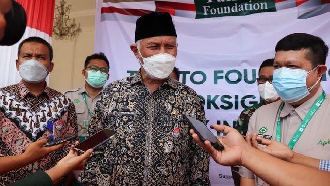 Gubernur Sumbar mengungkapkan dalam pembicaraan via telepon dengan Jokowi, sang presiden menjanjikan kiriman bantuan konsentrator oksigen ke provinsi itu.