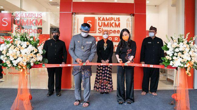 Shopee Indonesia bersama Pemprov Jabar melanjtukan kolaborasi dengan meresmikan Kampus UMKM Shopee Ekspor oleh Gubernur Ridwan Kamil.