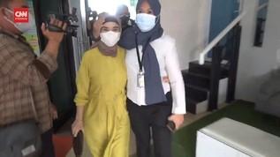 VIDEO: Chyntiara Alona Terdakwa Kasus Prostitusi Anak