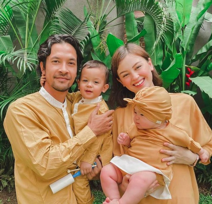 Kimberly Ryder dan anak-anaknya