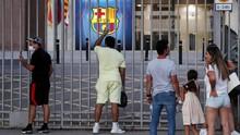 Suporter Kecewa di Camp Nou Usai Messi Tinggalkan Barcelona