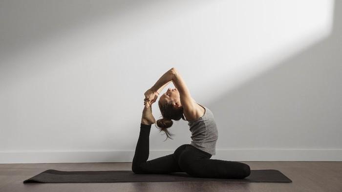Sedang Mengalami Stres? Cobalah Lakukan Olahraga Yoga untuk Mendapatkan Ketenangan Secara Cepat!
