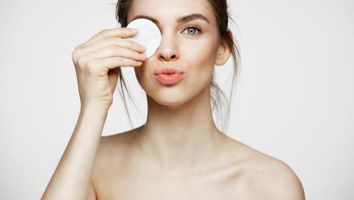 Tips Pakai Eye Cream agar Bekerja Lebih Efektif, Apa Saja?