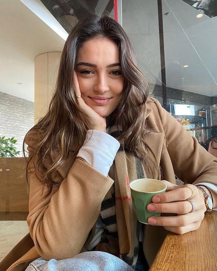 Bergabung dalam Vakifbank Istanbul dalam liga voli wanita Turki, Zehra juga telah sering bergabung dengan tim nasional Turki dalam berbagai jenjang usia. (instagram.com/zehragns18)