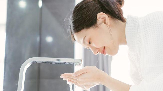 Frekuensi mencuci muka masing-masing orang bisa berbeda bergantung kebutuhan dan aktivitas. Lantas kapan waktu terbaik untuk cuci muka yang lebih efektif?