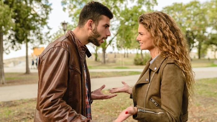 5 Alasan Kenapa Seseorang Masih Bertahan dalam Hubungan Toxic, Salah Satunya Takut Kesepian