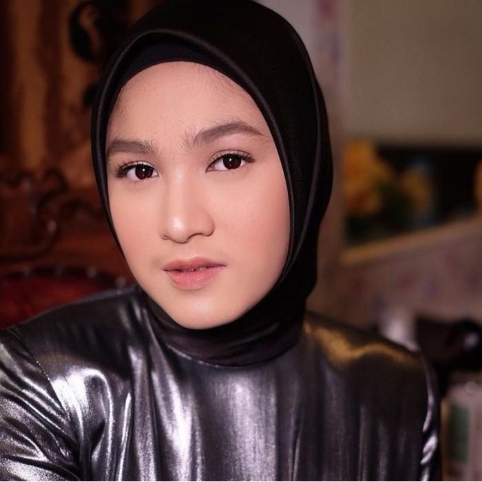Sederet penghargaan menjadi bukti kesuksesan Cut Syifa. Ia pernah dinominasi menjadi Aktris Paling Ngetop di SCTV Award 2017 hingga Pemeran Wanita Terpuji Kategori Serial Drama dalam Festival Film Bandung tahun 2018.(Foto: Instagram.com/cutsyifaa)