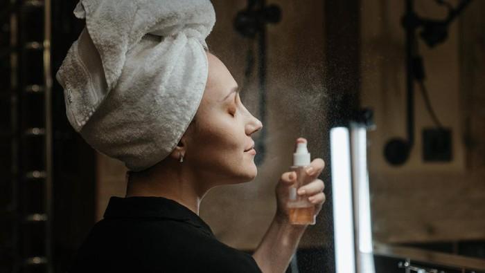 Jangan Salah Pilih! Berikut Tips Memilih Toner Bagi Pemilik Acne Prone Skin