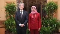<p>Bunda masih ingat dengan sosok Halimah Yacob? Ya, ia adalah wanita pertama yang menjadi Presiden ke-8 Singapura, lho. (Foto: Instagram: @halimahyacob)</p>