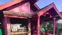<p>Rumah di Pacet, Mojokerto menjadi viral di TikTok karena ukuran rumahnya yang panjang, Bunda. Niatnya, Yazzir hanya membagikan video progres renovasi rumah untuk orang tuanya (Foto: TikTok @achmad_yazzir)</p>