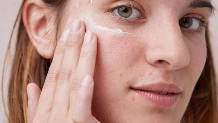 Sunscreen dengan Harga Terjangkau yang Efektif Melindungi Wajah, Memang Ada? Ini Daftarnya!
