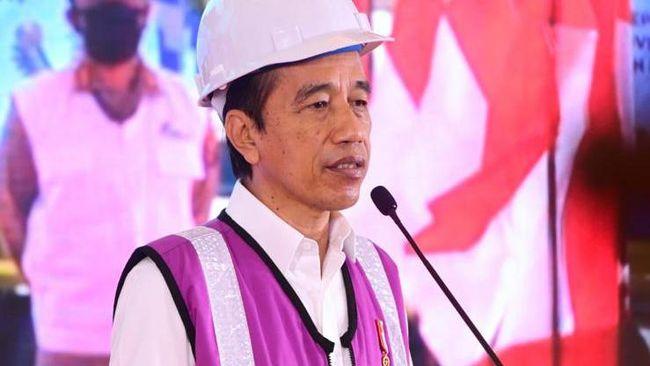 Menko Airlangga menyatakan Presiden Jokowi bakal meluncurkan program bantuan langsung tunai (BLT) pedagang kaki lima (PKL) Rp1,2 juta pada pekan depan.