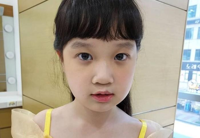 Kim Seol, gadis cilik pemeran Jin Joo dalam drama Reply 1988 yang tidak terasa kini sudah mulai beranjak remaja. Akting Kim Seol juga mendapat apresiasi ketika berperan dalam film Ayla: The Daughter of War./Foto: instagram.com/snowgold.2011