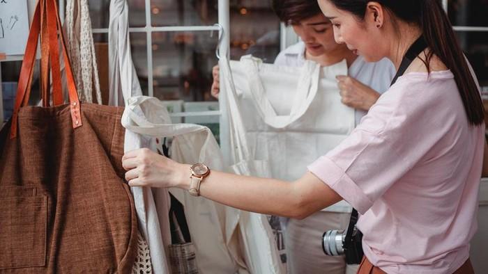 5 Cara Membeli Baju Preloved Agar Tetap Hemat dan Terhindar dari Pembelian Impulsif