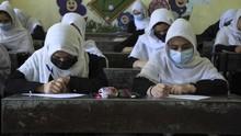 Sekolah Afghanistan Dibuka, UNESCO Minta Perjelas Nasib Siswi