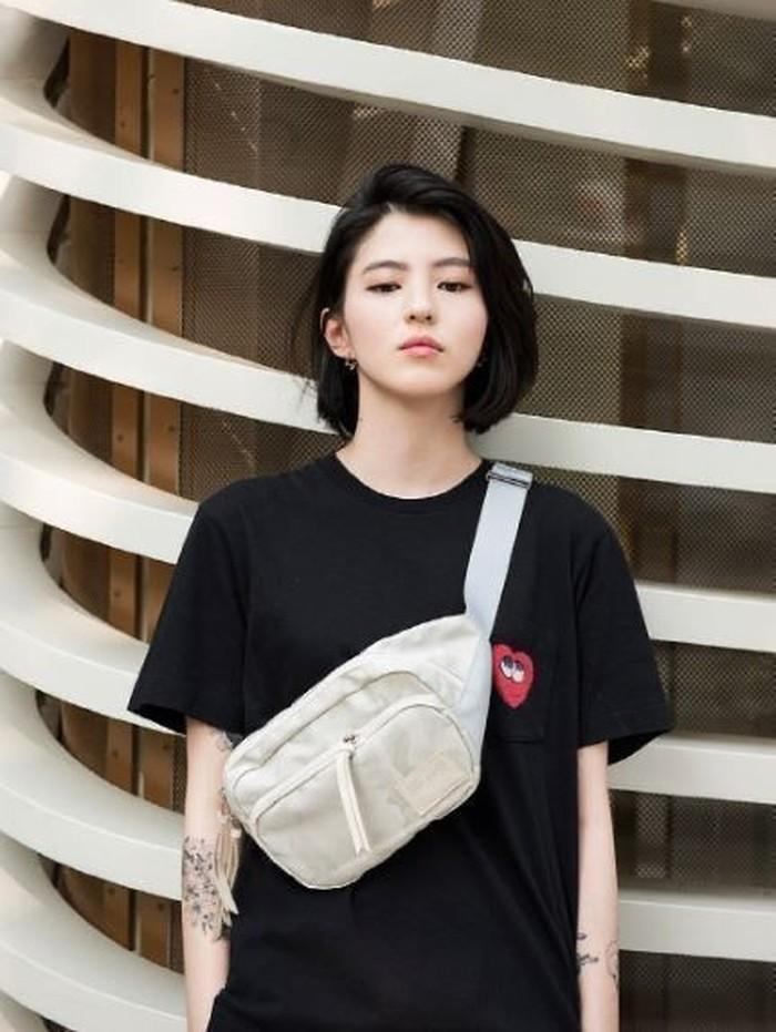 Di dunia nyata, Han So Hee memiliki karakter yang berani dan apa adanya. Bahkan saat foto-foto lamanya menjadi kontroversi di tahun lalu, Han So Hee memberikan statement yang cukup santai dan mengakui kebenaran foto-foto tersebut./Foto: pinterest.com