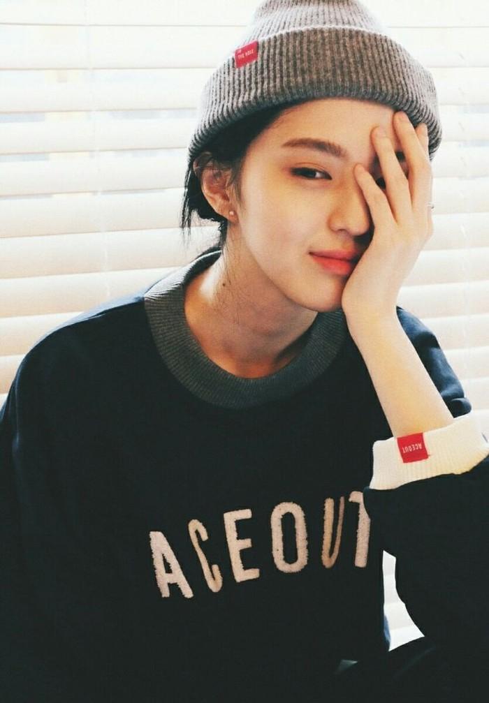 Nama Han So Hee menjadi semakin populer setelah ia mendapat peran utama di The World of The Married (2020) dan Nevertheless (2021). Perjuangan yang luar biasa ya, Beauties!/Foto: pinterest.com