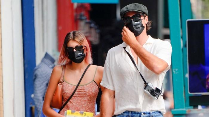 Tetap Pakai Masker! Simak Tampilan Kaia Gerber dan Jacob Elordi Saat Berkencan di Masa Pandemi