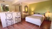 <p>Di level 2, juga terdapat kamar yang juga dilengkapi fasilitas layaknya apartemen. (Foto: YouTube Mifta Bronchard)</p>