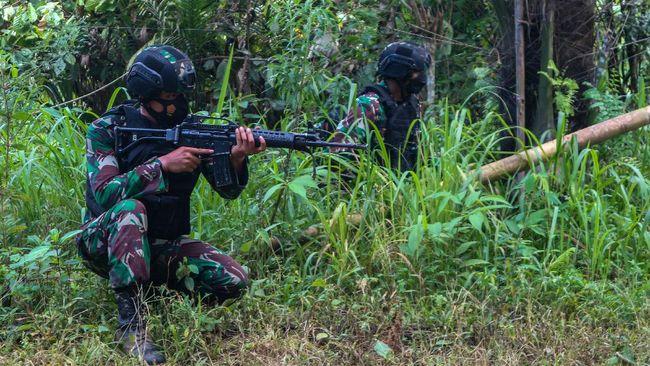Jenazah Daftar Pencarian Orang (DPO) teroris Poso tiba di Rumah Sakit Bhayangkara Palu pada Minggu (19/09) sekitar pukul 04.10 Wita.