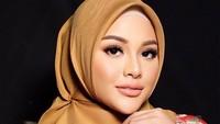 <p>Selain itu, wajah wanita kelahiran Jakarta itu juga terlihat semakin glowing. (Foto: Instagram @aurelie.hermansyah)</p>
