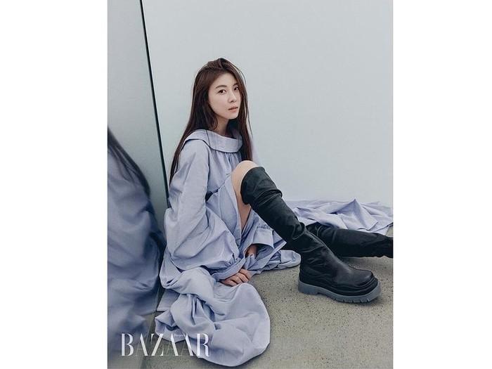 Ha Ji Won merupakan aktris senior dengan bayaran termahal, lho! Kini ia berusia 43 tahun dan wajahnya masih terlihat seperti berusia 20-an. Definisi 'menolak tua' yang sebenarnya, nih!/Foto: instagram.com/hajiwon1023