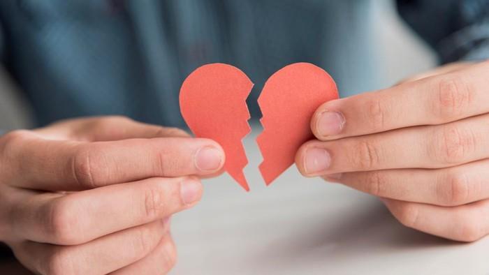 5 Alasan Patah Hati Bisa Membuatmu Jadi Lebih Baik, Jangan Sedih Lagi Ya!
