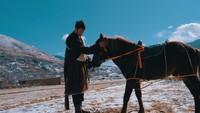<p>Aktor Tibet Danzi Daji mempunyai hobiunik di kala senggang, yakni olahraga dan traveling. (Foto: Foto dokumen :Danzi Daji team & YMM Lastwish)</p>