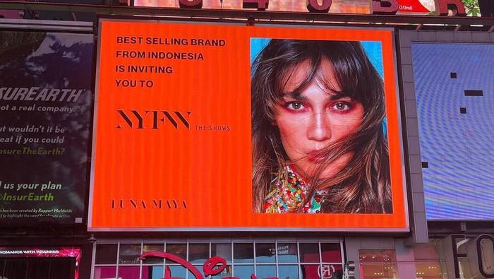 Rachel Vennya, Luna Maya dan Selebriti Lainnya 'Tampil' di Times Square Promosikan Label Fashion Lokal di New York Fashion Week