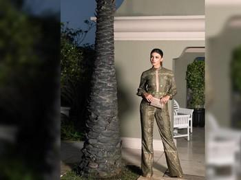 Jihane juga menggunakan jumsuit berwarna plum hasil karya Denny Opulence saat menyelesaikan sesi Supra Deep Interview dan Supra Chat dengan Ann/Foto: Instagram/jihanealmira