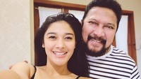 <p>Naysilla Mirdad seringkali mengunggah potret bersama ayah tercinta ke laman Instagram. Kedekatan mereka di setiap foto selalu mencuri perhatian netizen, Bunda. (Foto: Instagram @naymirdad)</p>