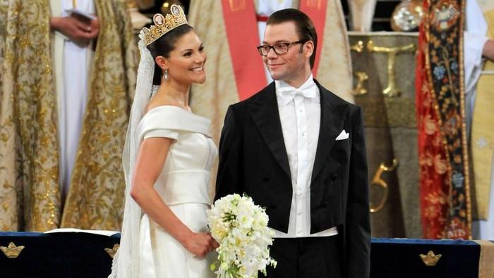 Deretan Gaun Pengantin Royal Wedding yang Nggak Kalah Mewah Sama Keluarga Kerajaan Inggris