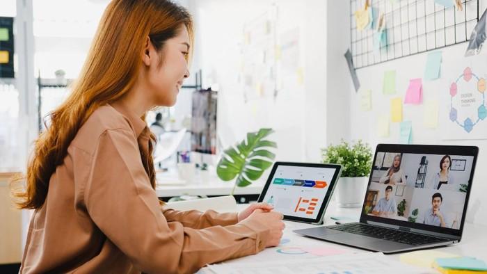 Ingin Terlihat Kece Saat Meeting Online? Coba Terapkan 5 Cara Mudah Ini