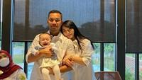 <p>Terlahir prematur di usia 8 bulan, Arsila Bungalia Sirkiani berada dalam keadaan sehat walafiat, Bunda. Putri kecil Zaskia dan Sirajuddin tumbuh menjadi balita menggemaskan. (Foto: Instagram @sirajuddinmahmudsabang)</p>