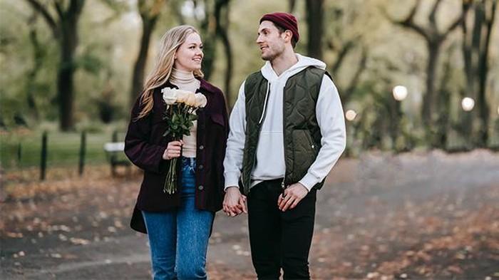 5 Ide Kencan Outdoor yang Bisa Kamu Coba Bareng Pasangan, Dijamin Hemat Biaya Banget!