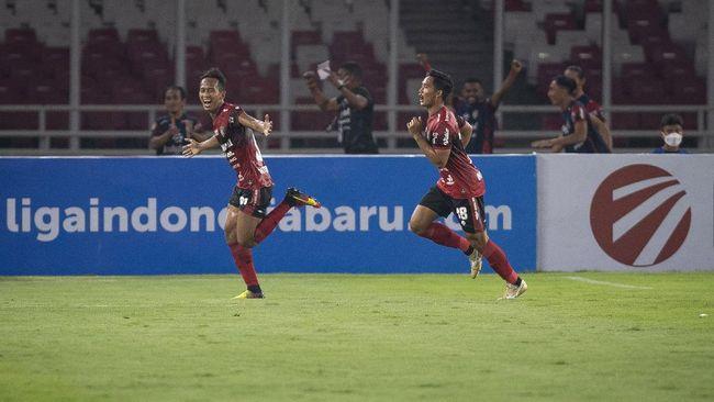 Duel Bali United vs Persib Bandung di Stadion Indomilk Arena, Tangerang pada Sabtu (18/9) malam jadi duel perebutan puncak klasemen Liga 1.